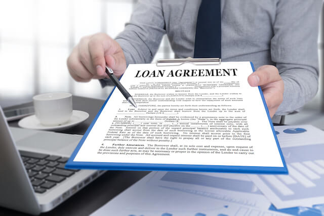 Things-to-Look-For-When-Choosing-a-Legal-Money-Lender